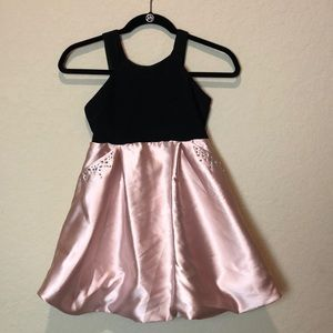 💜3/25 Poppies and Roses black and Pink dress sz 8